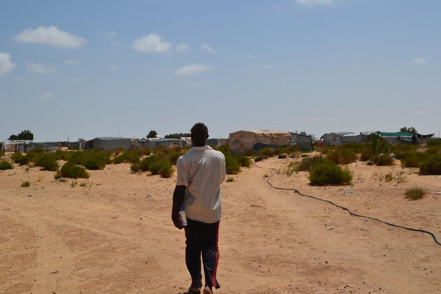 « Nous ne sommes même pas considérés comme des hommes » : les témoignages de 36 réfugiés et demandeurs d'asile abandonnés pendant 4 ans dans le désert tunisien